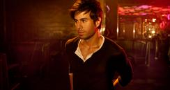 Enrique Iglesias posed press images