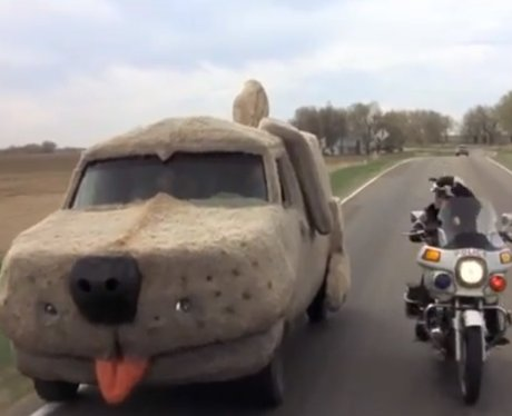 the giant furry car dumb and dumber 39 s dumbest moments. Black Bedroom Furniture Sets. Home Design Ideas