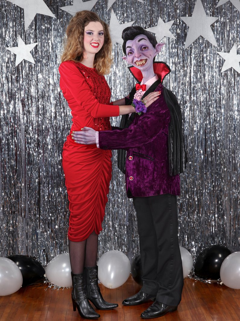 dracula and date on prom night