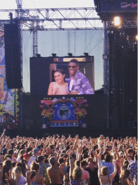 Labrinth proposes to girlfriend at V festival