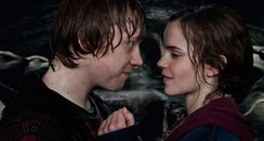 Ron Wesley and Hermione Kiss
