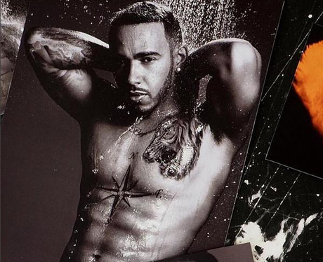 [Imagen: lewis-hamilton-topless-in-the-shower-146...view-0.png]