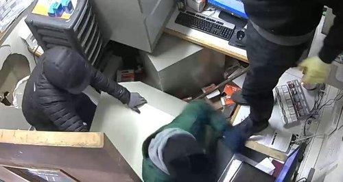 SHell garage Millbrook Southampton robbery CCTV