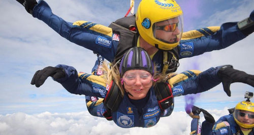 Carol Vorderman Skydives